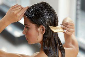Packungen für strapaziertes Haar und trockene Kopfhaut