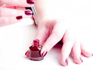Nutzen Sie diese Tipps, damit Ihr Nagellack schneller trocknet