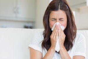 Wie Sie Heuschnupfen behandeln, wenn Sie auf Wärme oder Kälte reagieren