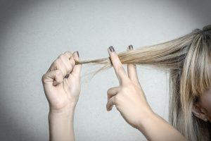 Schnelle Hilfe für extrem strapaziertes Haar