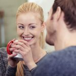 Flirt-Tipps für Schüchterne: So überwinden Sie Ihre Angst