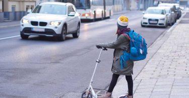 10 Regeln für den sicheren Schulweg Ihres Kindes