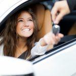 So können Sie beim Mieten eines Autos Geld sparen