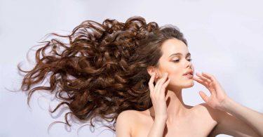 Die 7 wichtigsten Nährstoffe für gesundes, kräftiges Haar