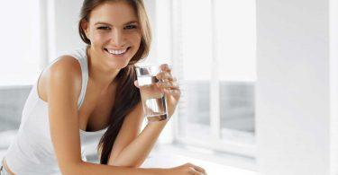 Wasserfasten: Wie funktioniert es und was bringt es?