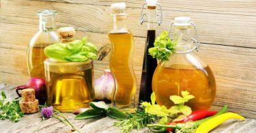 Diese fünf kaltgepressten Pflanzenöle können Sie stark erhitzen