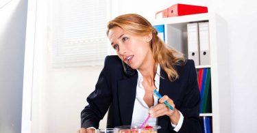 3 Tipps für richtiges Essen und Trinken im Büro