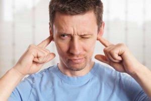 Tinnitus – welche Sofortmaßnahmen Sie gegen lästige Ohrgeräusche ergreifen können