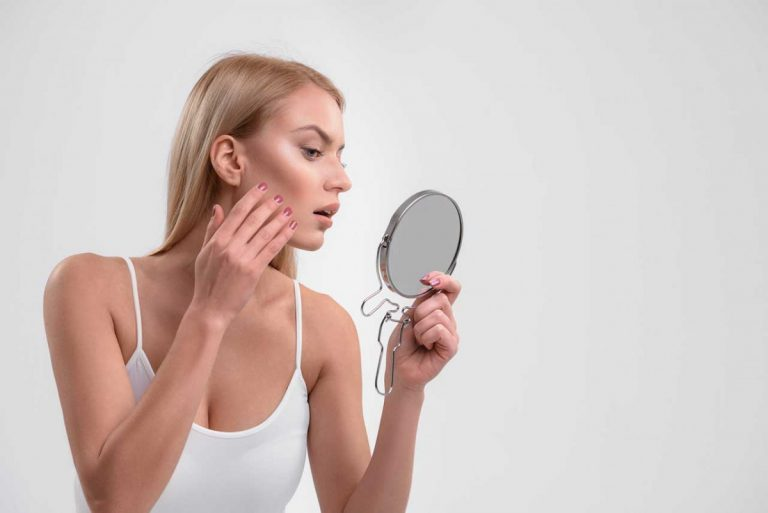 Wie Sie diese 5 Symptome von Rosacea mit Schüßlersalzen unterstützend behandeln
