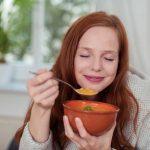 2 herzhafte vegane Suppen, die Ihnen garantiert gelingen werden