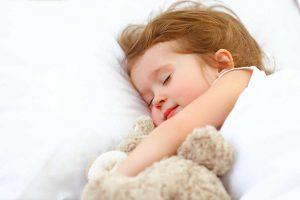 4 Tipps, damit Ihr Kind besser schläft