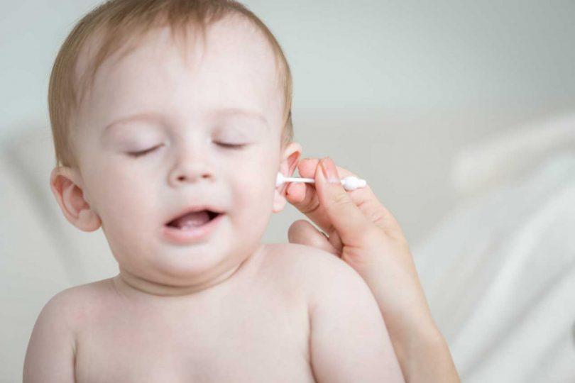 So können Sie Ohrenschmalz bei Ihrem Kind entfernen