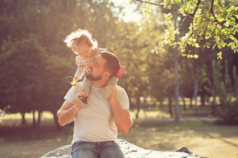 Wochend-Vater: 2 Tipps, wie Sie das Familienleben einfacher meistern