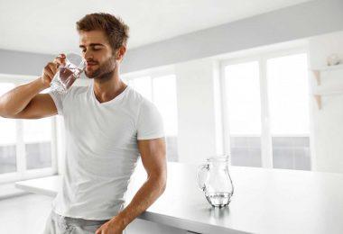 8 deutliche Warnsignale, wenn Sie zu wenig Wasser trinken
