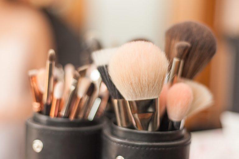 So reinigen Sie Ihr Make-Up-Equipment richtig