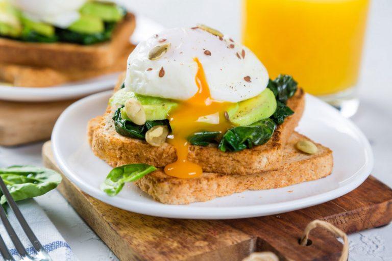 So gelingen Ihnen pochierte Eier (verlorene Eier) in 3 Schritten perfekt