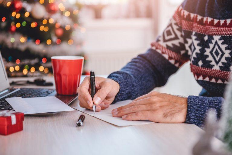 4 Tipps für einen anerkennenden Weihnachtsbrief an die Mitarbeiter