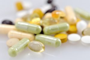 Nahrungsergänzungsmittel: 5 Gründe, sie mit Vorsicht zu genießen