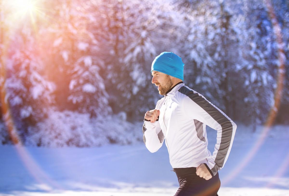 3 Trainingsmethoden, die Sie über den Winter fit halten