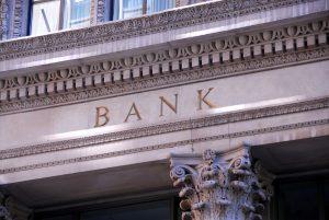 Bei diesen 13 Banken können Sie hohe Abhebegebühren vermeiden