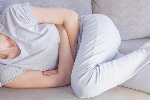 Hilfe bei Blähungen – diese 6 Maßnahmen wirken gegen Luft im Bauch