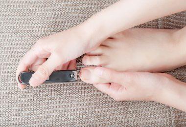 Fußnägel: So schneiden und pflegen Sie sie richtig