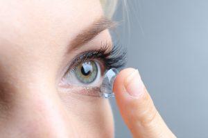 Kontaktlinsen im Internet bestellen: Beachten Sie diese 5 Werte