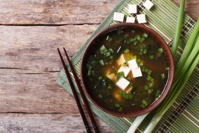 2 tolle Rezeptideen für herzhafte vegane Suppen