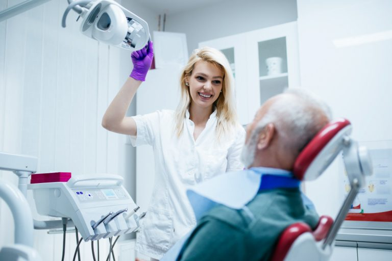 Zahnprobleme bei Senioren