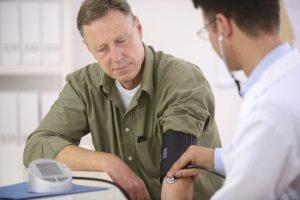 Niedriger Blutdruck: 11 Symptome, die Sie kennen sollten