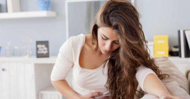 6 häufige Ursachen für Magenschmerzen