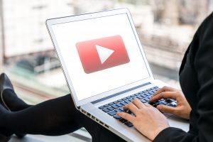 So erstellen Sie in 4 Schritten Ihren eigenen YouTube-Kanal