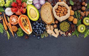 Die Nährstoffe Kohlenhydrate, Eiweiße unf Fette sowie die Vitalstoffe im Überblick