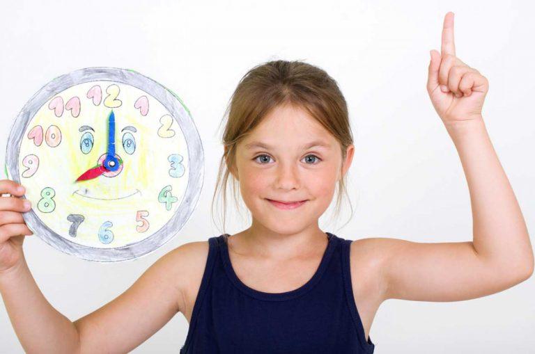 Mit Kindern eine Lern-Uhr basteln