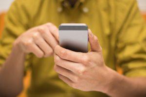 So schalten Sie Strom- und Datenvolumen-Fresser auf dem iPhone ab