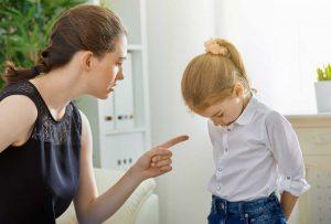10 Tipps wie Sie richtig reagieren, wenn Ihr Kind Schimpfwörter benutzt