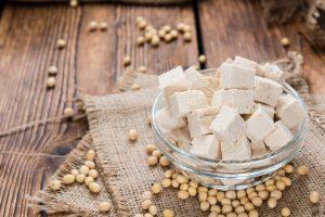 Ein Lebensmittel, das zu fast allem schmeckt: Tausendsassa Tofu