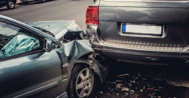 8 Dinge, die Sie unmittelbar nach einem Autounfall tun sollten