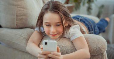 Smartphone-Nutzung von Kindern: Welche Regeln sollte es geben?