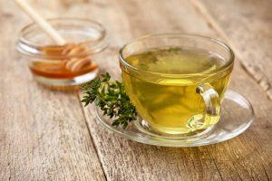Tees aus Heilpflanzen gegen akute Bronchitis