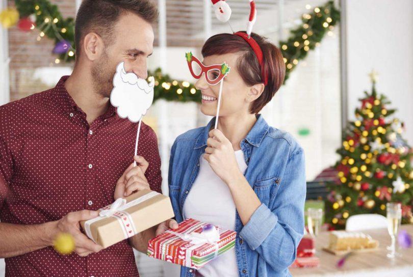 Weihnachtsgeschenke für Kollegen: 10 Tipps