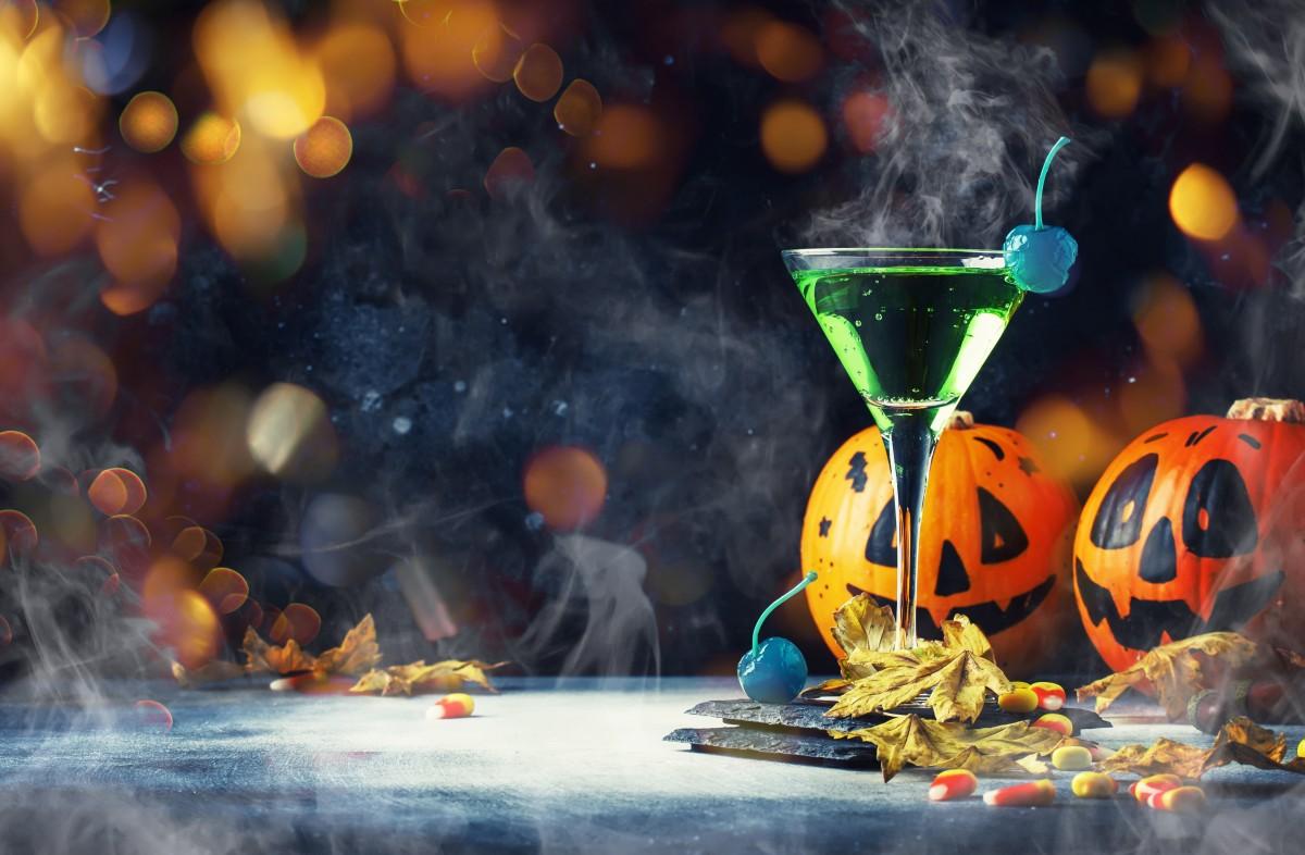 So bereiten Sie die beliebtesten Halloween-Getränke zu