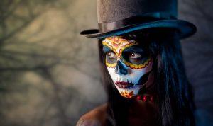 Halloween: Achten Sie beim Kauf auf Schadstoffe in Masken und Schminke