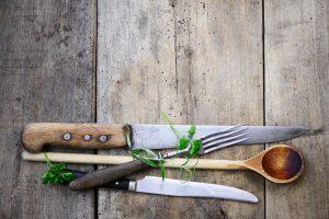 Pochieren, dünsten, blindbacken – 13 Küchenbegriffe und ihre Bedeutung