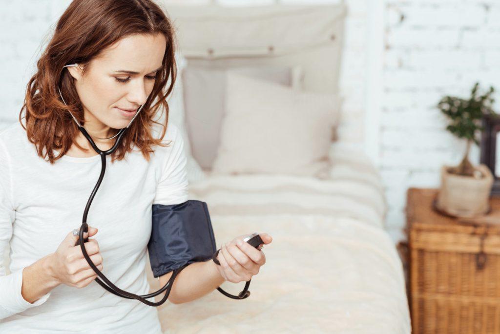 Niedriger Blutdruck: 11 Symptome, die Sie kennen sollten..