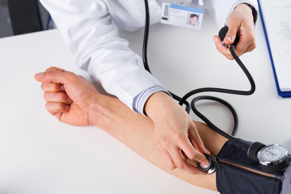 Beginnen Sie eine Behandlung von Bluthochdruck bei sich selbst