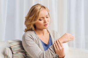 Handgelenksarthrose: Behandlung des Gelenkverschleißes