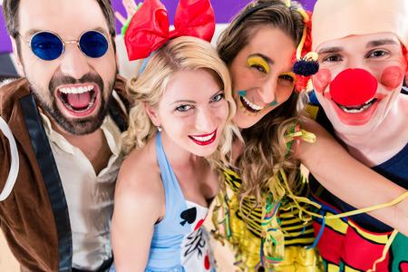 Mit diesen 8 Tipps bleiben Sie an Karneval gesund