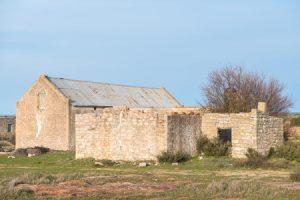 Landwirtschaftlicher Gutshof: Renovierung einer Kirchenruine absetzbar