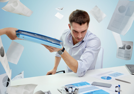 Diese Informationen müssen Sie im Geschäfts- und im Rechenschaftsbericht geben